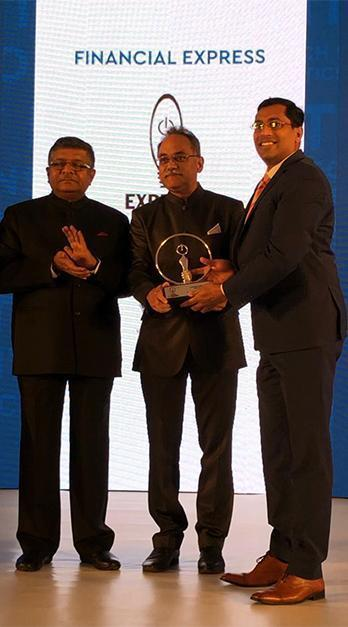 Sri Ravi Shankar Prasad, minister for IT, Electronics and Law & Justice, Anant Goenka, Executive Director of Indian Express, Mahim Jain, Deputy Director General, Bureau of Indian Standards gave away the awards